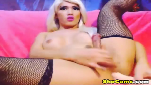 Blonde Shemale Webcam With Dildo