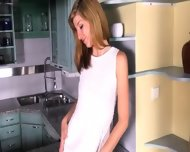 Gyno Gaping Of Glamorous Czech Model - scene 2