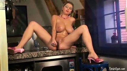 Snow loves her Dildo 6 - scene 10