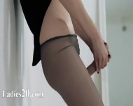 Elegant 18yo Girl Teasing In Front Of Mirorr - scene 9