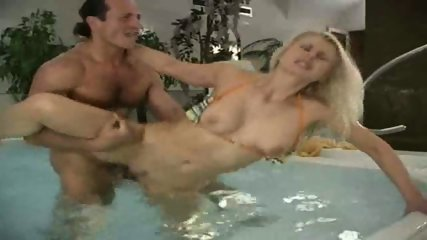 Sensual Sex in Whirlpool - scene 10
