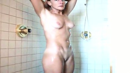 40 yo MILF wife shower