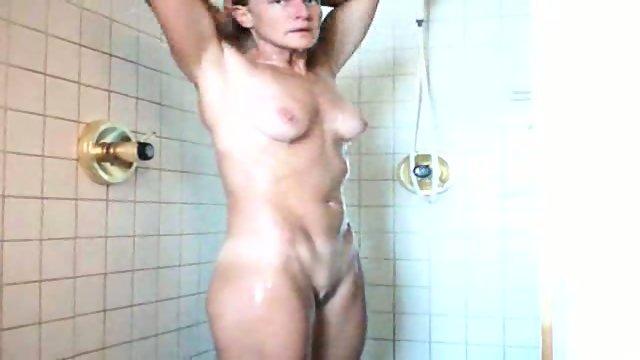 40 yo MILF wife shower
