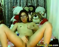 Gorgeous Tranny Babe Strokes Her Cock - scene 10