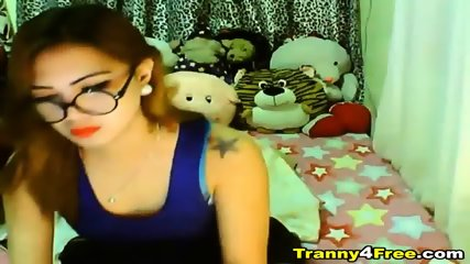 Gorgeous Tranny Babe Strokes Her Cock - scene 3