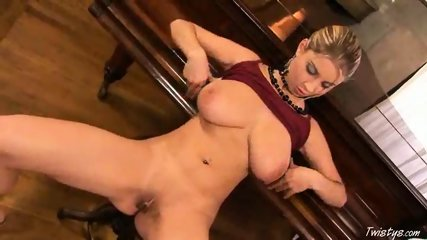 Piano Girl Snow masturbating 3 - scene 10