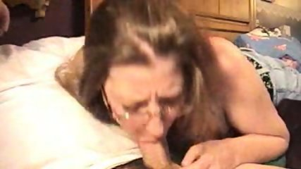 Amateur blowjob and cumshot - scene 3
