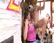 Sucking Strippers Shafts For Cumshot - scene 9