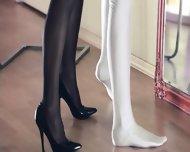 Hot Lezzies Intercourse In Front Of Mirror - scene 6
