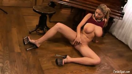 Piano Girl Snow masturbating 4 - scene 9