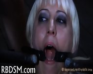 Chick Gets Her Pussy Engorged - scene 2