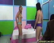 Pussy Licking Pornstars - scene 10