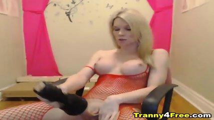Gorgeous Tranny Rides A Dildo