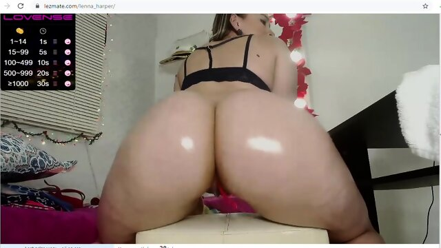 lesbian shakes her big oiled ass