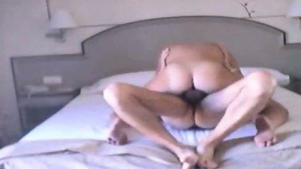 ella es la que folla delante de la webcam - scene 5