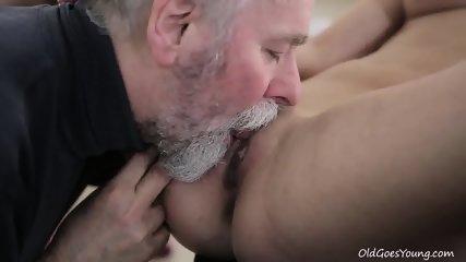 Teen Takes Older Guy's Cock - scene 4