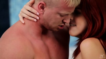 In The Bath With Hot Redhead - scene 4