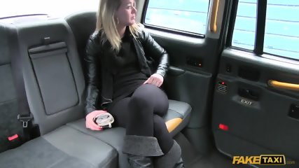 Hardcore Sex In The Cab - scene 2