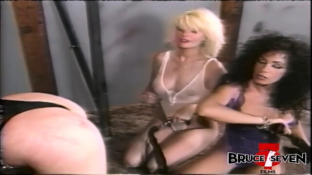 BRUCE SEVEN – Trinity gets her big tits milked