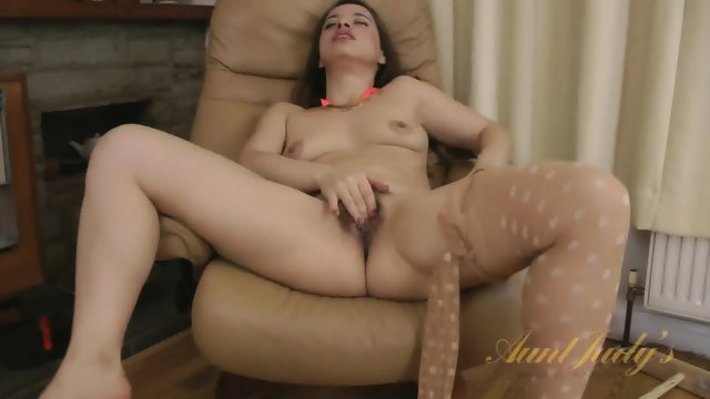 Hairy Pussy Under Pantyhose