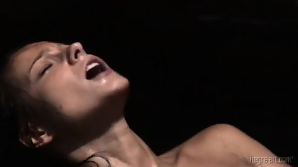 Wet Girl Reaches Orgasm - scene 10