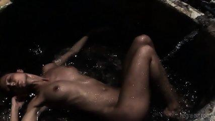 Wet Girl Reaches Orgasm - scene 6