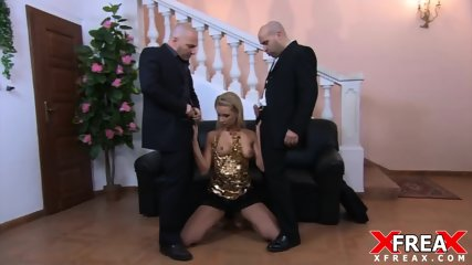 Elegant Slut Fucked By Two Cocks - scene 2