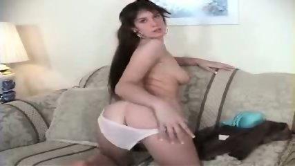 Vanessa stripping - scene 7