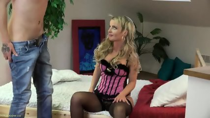 Blonde With Corset And Stockings In Nice Action - scene 1