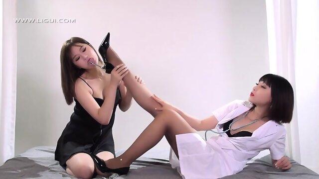 Chinese_MILF_with_High_Heels_Foot_Fetish_ligui foot
