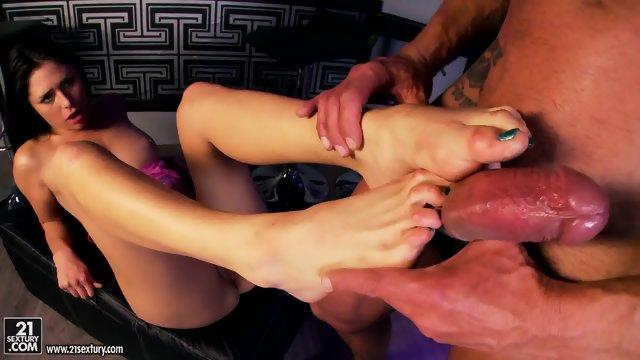 Footsie Girl Fucked In The Bar