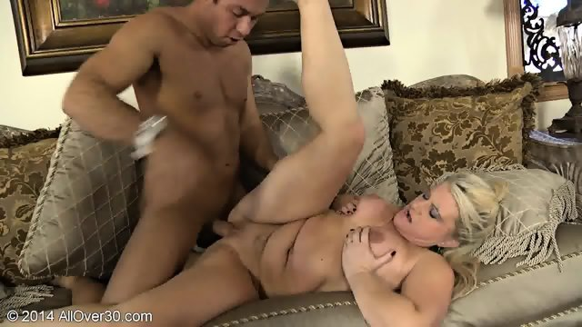 Mature Lady Banged On Sofa