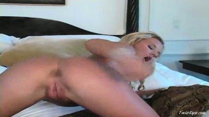 Extreme dildo masturbation 1