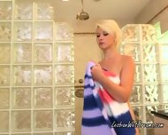 Lesbian Shae Summers Get Ready For Dani As She Baths First