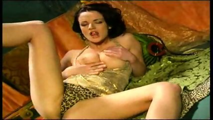 Jane needs Tarzan - scene 2