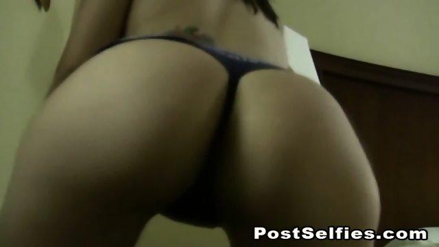 Sexy College Teen Babe Strips While Twerking