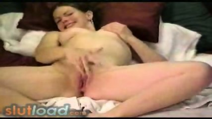 Pretty girl orgasm - scene 6
