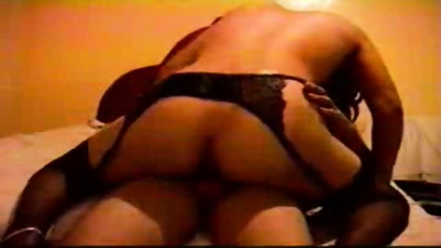 Amateur latina wife fucks with my small dicks friend