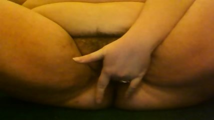 BBW filming herself rubbing her hairy pussy - scene 9