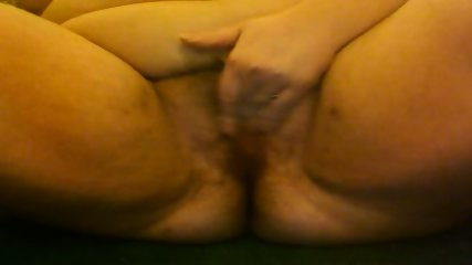 BBW filming herself rubbing her hairy pussy - scene 10