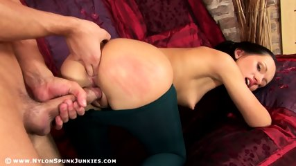 Babe In Nylons Gets Fucked In Ass - scene 4
