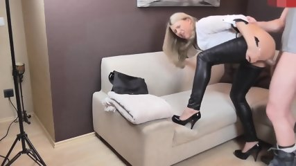 Girl In Tight Trousers Gets Fucked And Creampied - scene 6