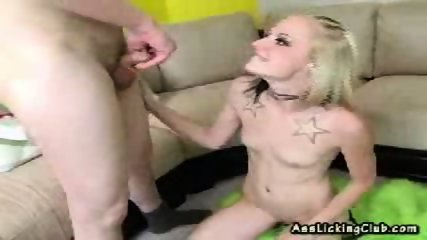 Sexy blonde gets to lick and kiss an ass-crack - scene 11