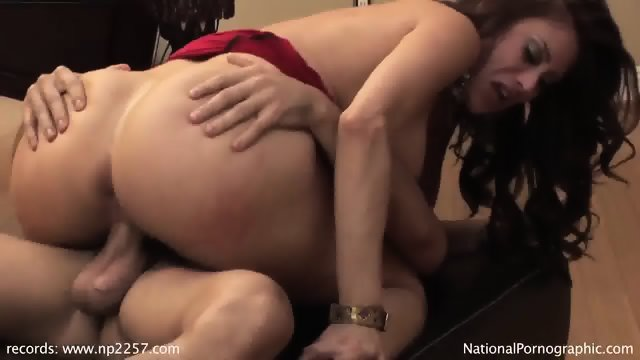 Pretty Mommy With Nice Tits Takes Cock