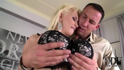 Busty Lady Loves Cock Riding - scene 2