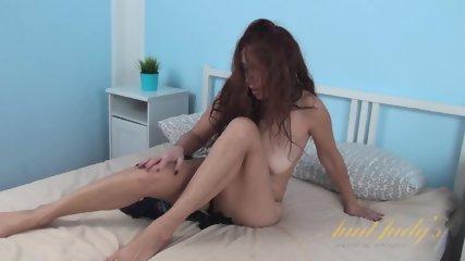 Sexy Babe Masturbates On Bed - scene 8