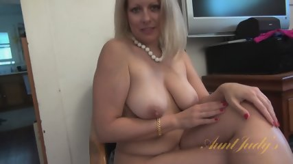 Interview With Naked Mom - scene 4