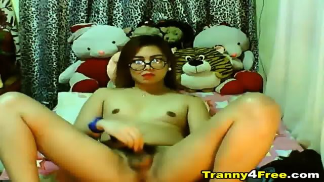 Cute Asian Tranny Jerking Off Her Cock