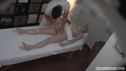 Blonde Amateur Gets Nice Pussy Massage - scene 10