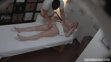 Blonde Amateur Gets Nice Pussy Massage - scene 11
